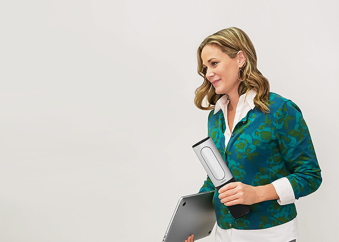 Logitech-Connect-portable-versatile-video-conferencing-device-for-small-meeting-room-space