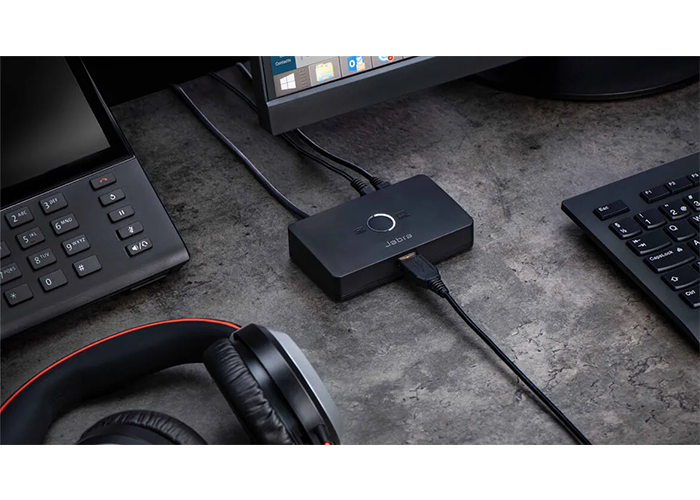 Jabra-LINK-950-Accessory-USB-A-with-cable-softphone-connected-led-on-large