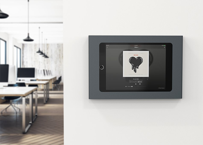 H565-Heckler-iPad-Mini-Wall-Mount-plus-Power-lifestyle-1-horizontal-front-view
